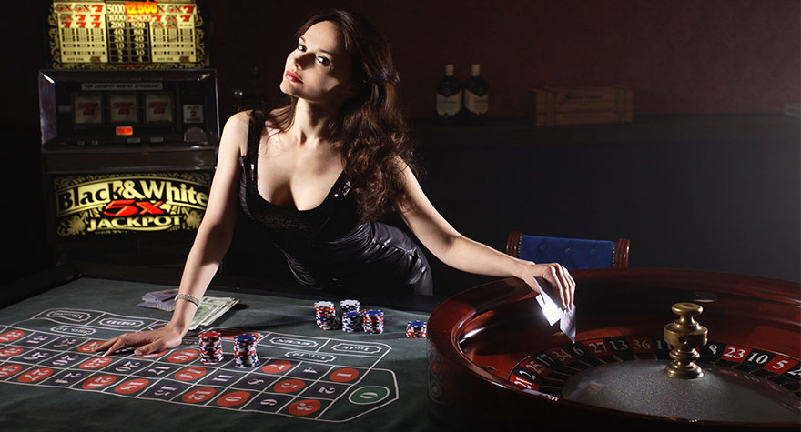 Postimage 5 Gameplay Innovations that Make a Casino Game the Best of the Best Live dealers - 5 Gameplay Innovations that Make a Casino Game the Best of the Best
