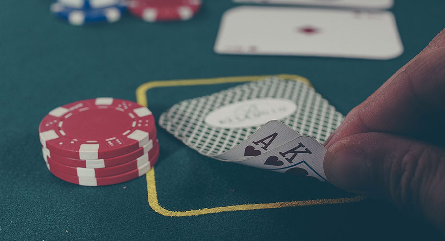 The 2 Best Games to Play in a Casino